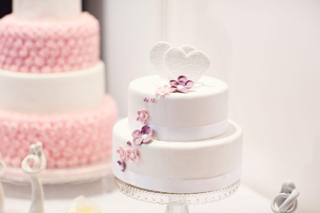 wedding cake 1704427 1024x683